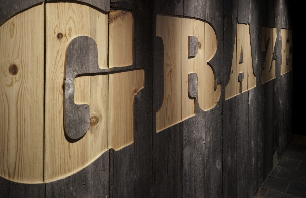 wood, graze sign