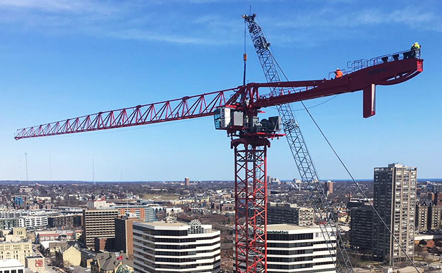 BMO Tower's crane being installed